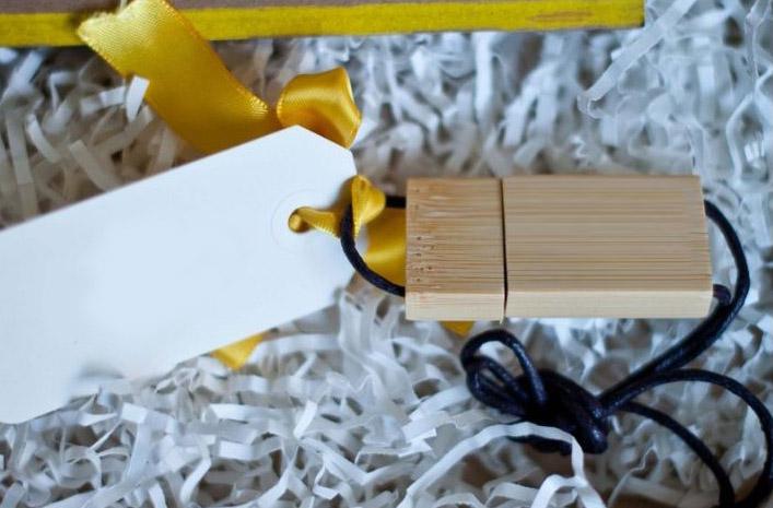 деревянная флешка заказать