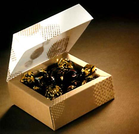 фирменные коробочки для подарков на новый год