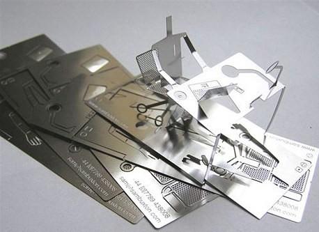 креативная визитка из металла